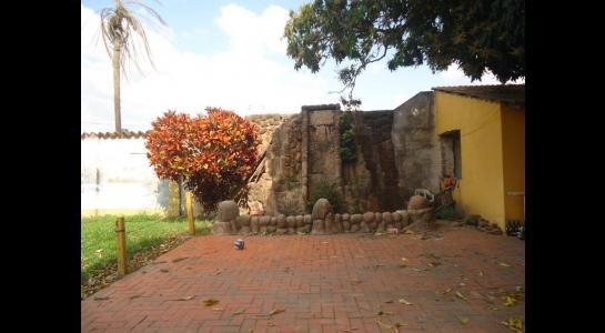 Casa en Alquiler Calle Ernesto Monasterio entre C/Los Mángales y Juan Latino, dentro el primer anillo de circunvalacion- Warnes Foto 13