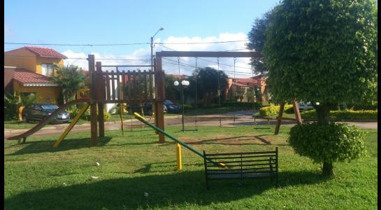 Casa en Alquiler AVENIDA BANZER Km 9 Foto 3