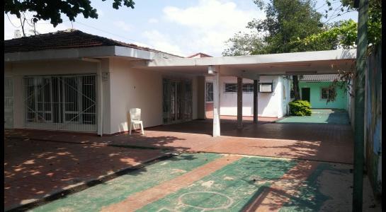 Casa en Alquiler Calle Julio Gutierrez Foto 3