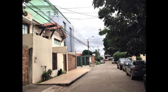 Casa en Alquiler Av Banzer entre 2do y 3er anillo Foto 9