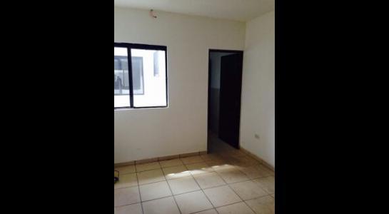 Casa en Alquiler AVENIDA BANZER Km 9 Foto 9