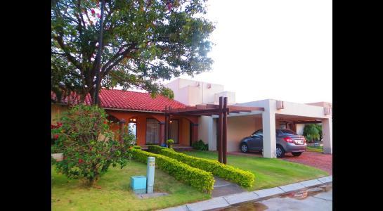 Casa en Alquiler Cond. La Hacienda I, av banzer Foto 13