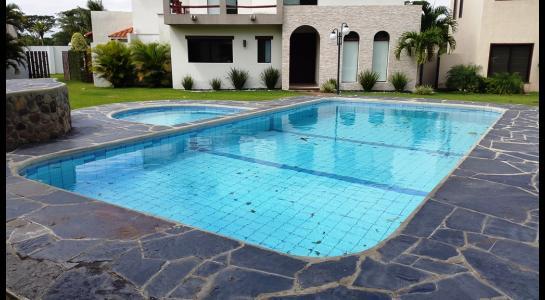 Casa en Alquiler Condominio JARDINES DEL URUBO  Foto 3
