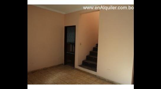 Casa en Alquiler Av.Paragua 3er y 4to anillo Foto 7