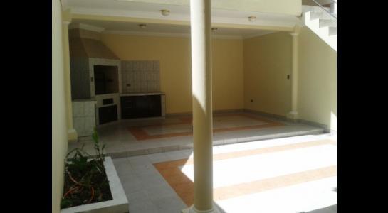 Casa en Alquiler BARRIO DE CHOFERES,  ZONA PARQUE URBANO Foto 3