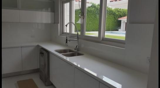 Casa en Alquiler .COLINAS DEL URUBO 2 Foto 29