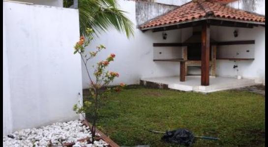 Casa en Alquiler Ba. Equipetrol Foto 6