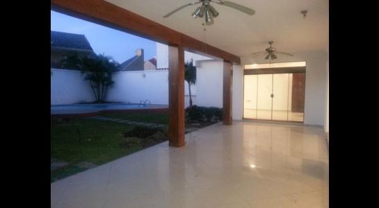 Casa en Alquiler  CONDOMINIO BARRIO NORTE UBICADO en la Av. Banzer  4to anillo Foto 23