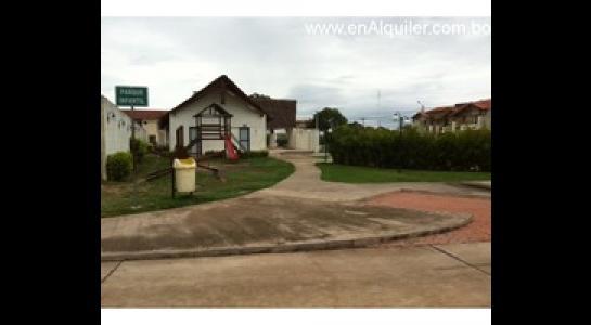Casa en Alquiler Av. Banzer 6to. y 7mo. Anillo Foto 7