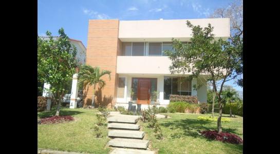 Casa en Alquiler CONDOMINIO LOS PARQUES DEL URUBO  Foto 3
