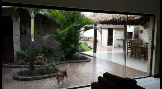 Casa en Alquiler Urbanización Ciudad Jardín,6.to Anillo al Norte cerca de la UCEBOL Foto 9