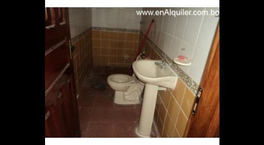 Casa en Alquiler Av. Roca y Coronado 3 er anillo Foto 10
