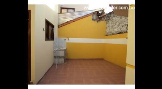 Casa en Alquiler Av. Roca y Coronado 3 er anillo Foto 5