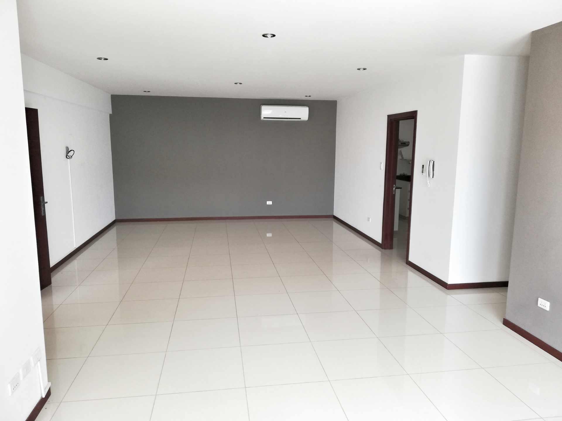 Departamento en Alquiler CONDOMINIO SANTA LUCIA / BARRIO LAS PALMAS Foto 6