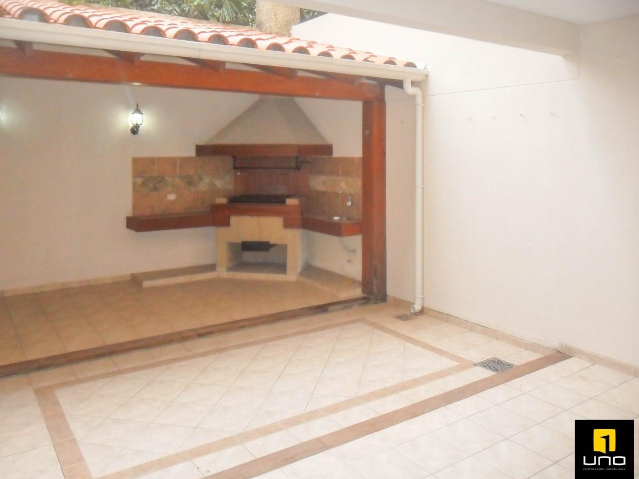Casa en Alquiler ZONA OESTE, BARRIO LAS PALMAS Foto 3