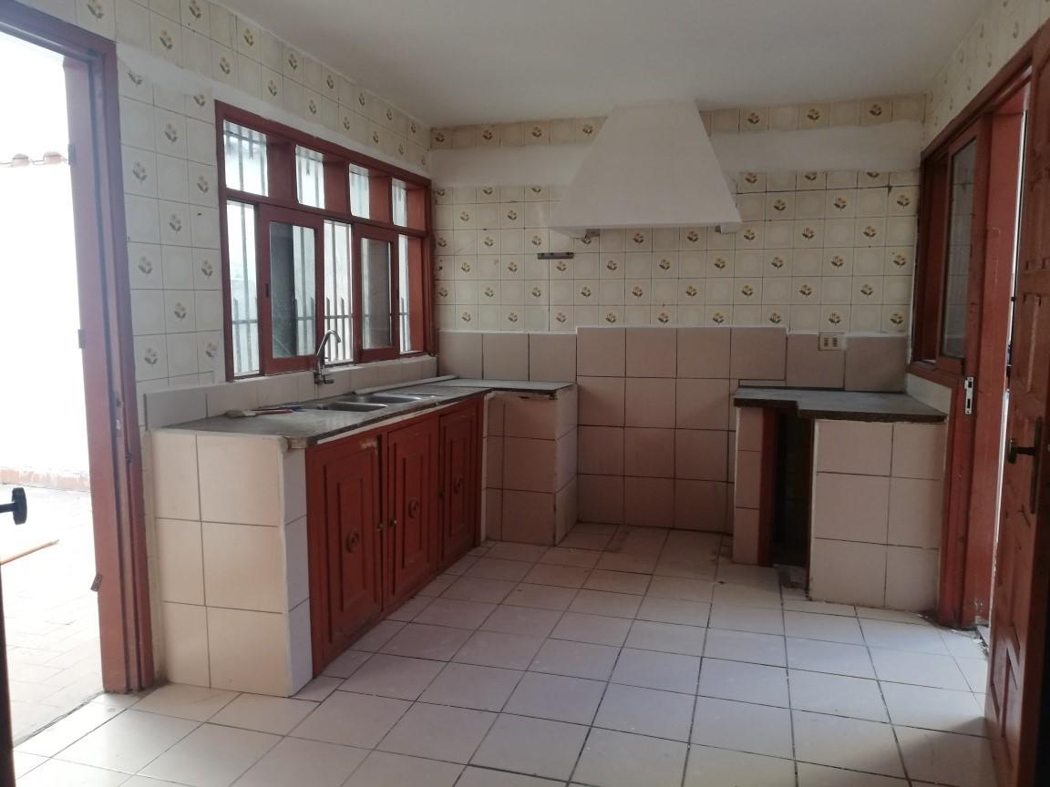 Casa en Alquiler AV. ALEMANA 3ER ANILLO Foto 2