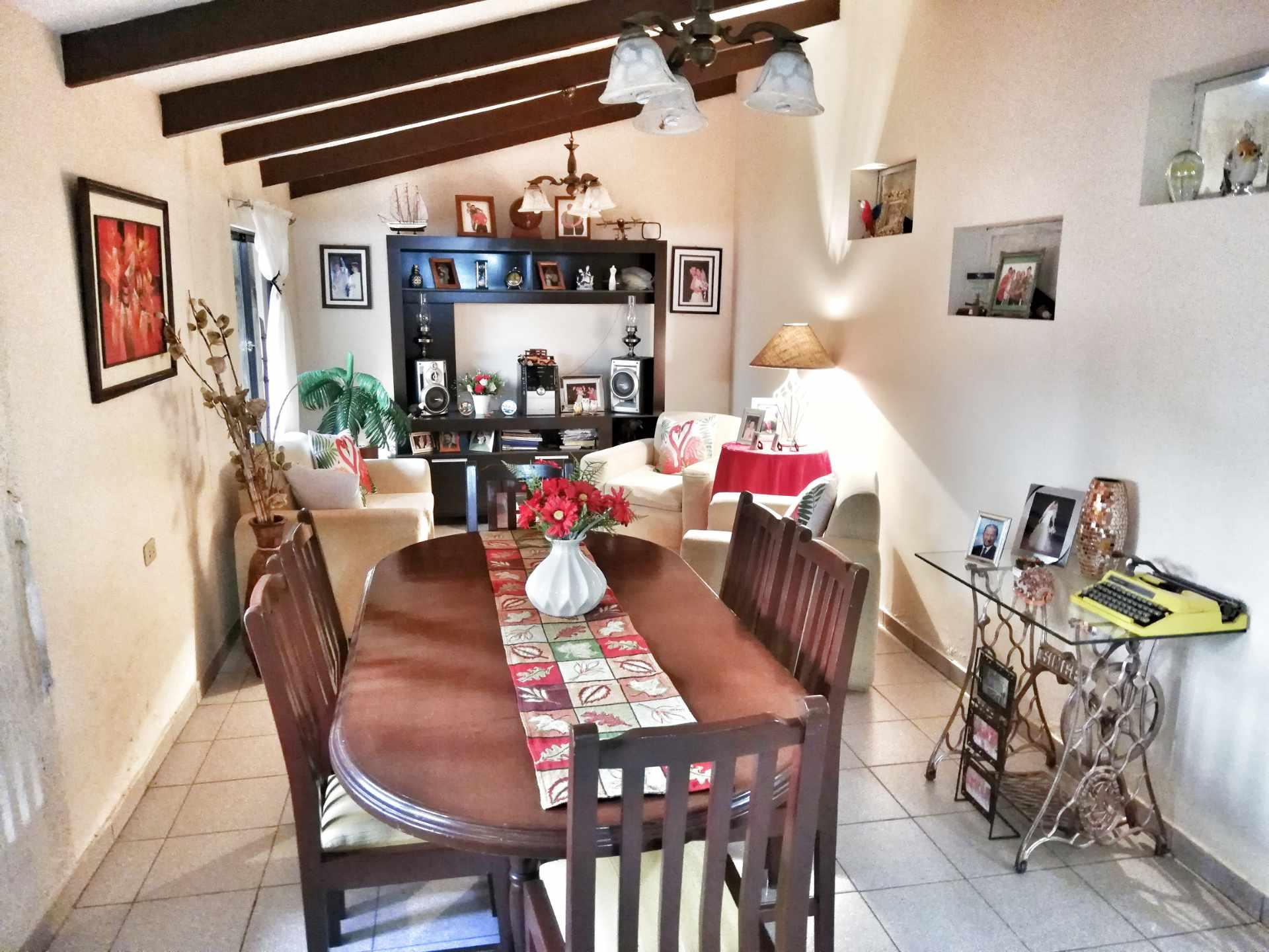 Casa en Venta HERMOSA CASA EN VENTA EN ZONA NORTE Foto 2