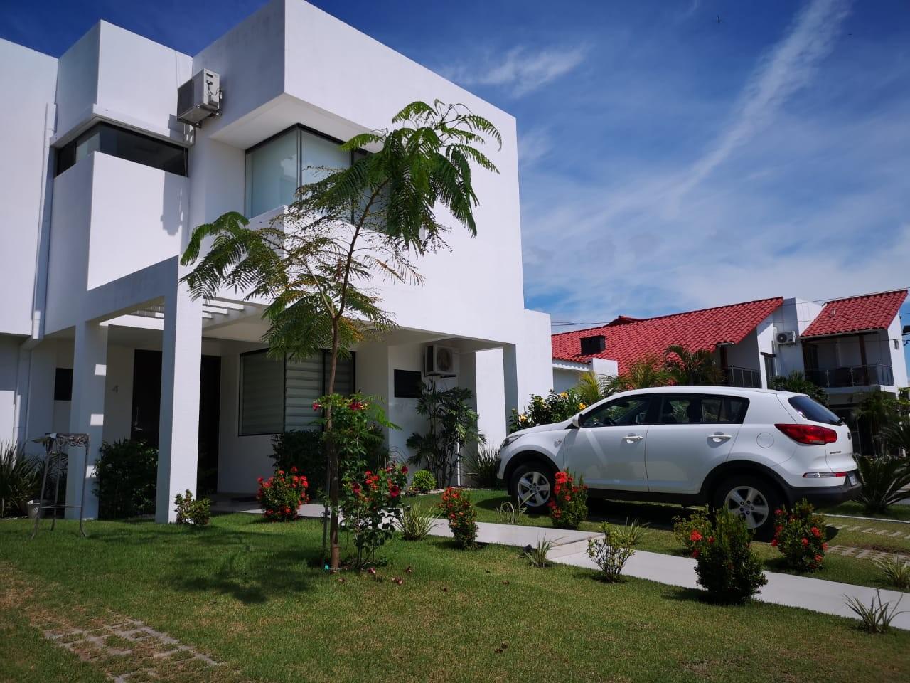 Casa en Venta KM 9 AL NORTE CONDOMINIO BARCELO Foto 2