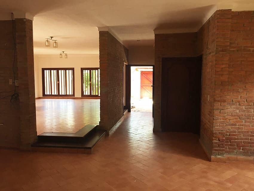 Casa en Venta Av. La Barranca, pasando 3 cuadras el 3er anillo. Foto 7