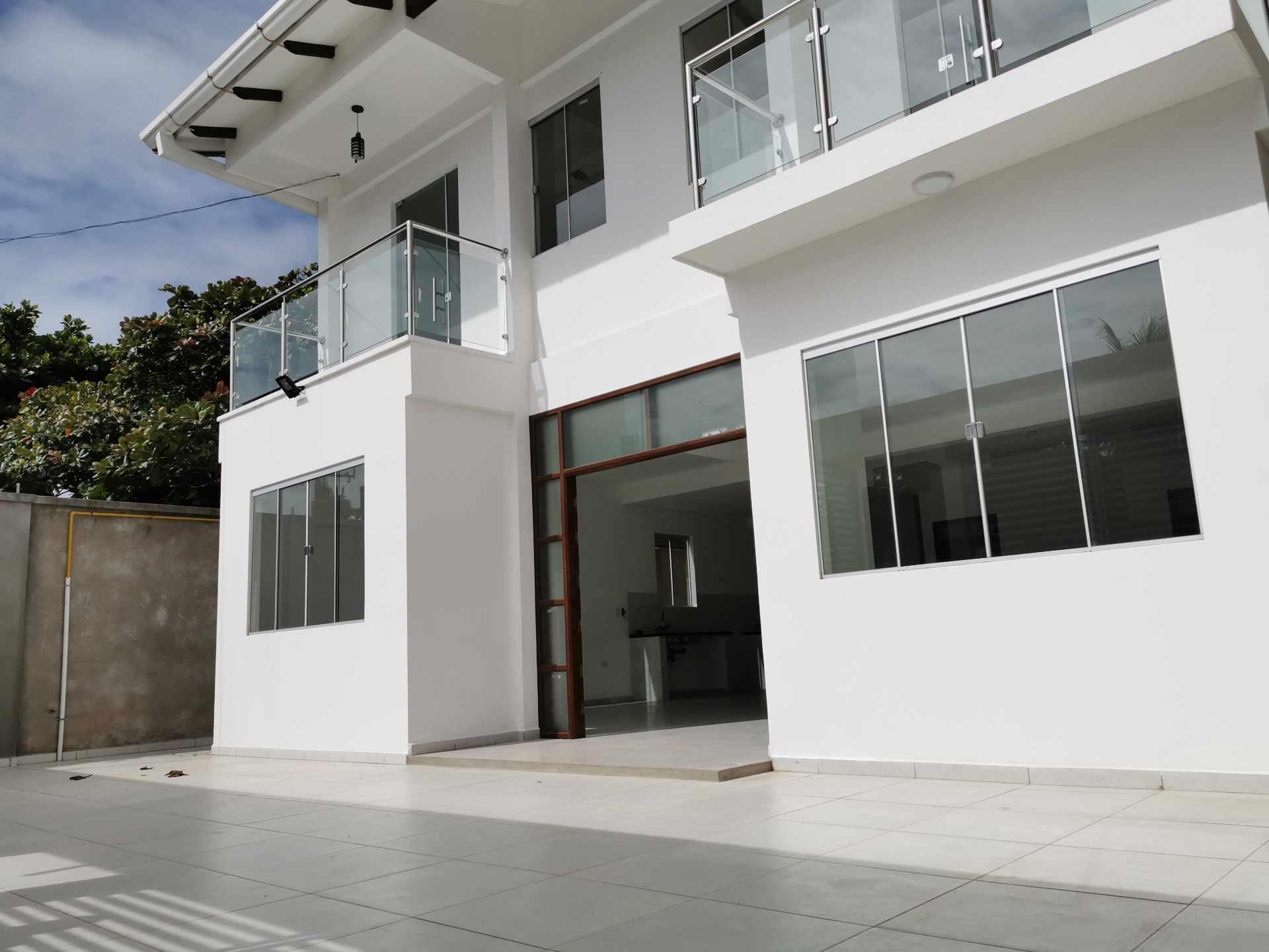 Casa en Venta VILLA 1ERO DE MAYO Foto 13