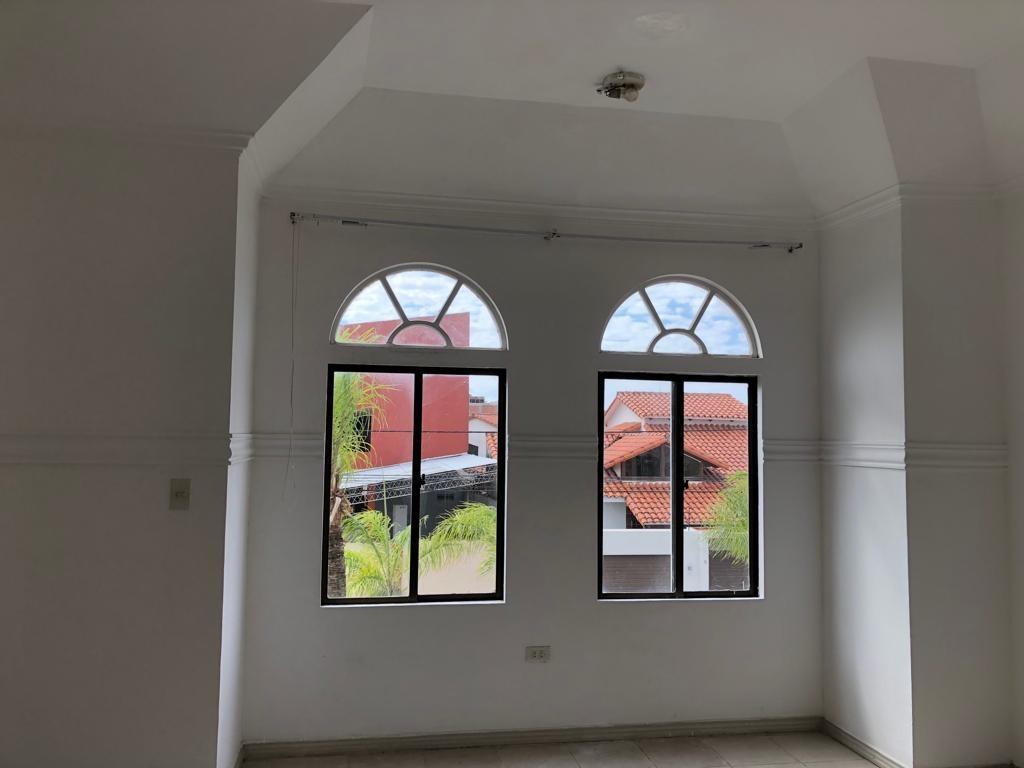 Casa en Alquiler Av Piraí y 4to anillo  Foto 11
