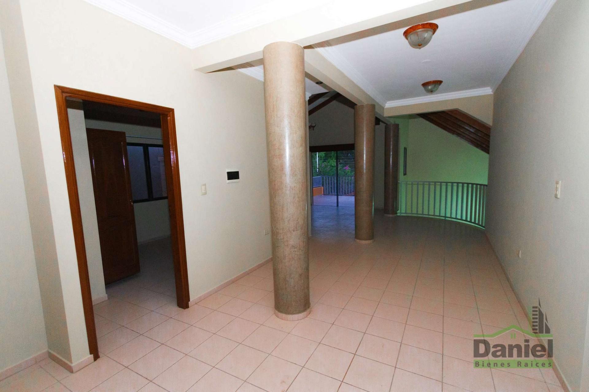 Casa en Venta CASA GRANDE ENTRE 4TO Y 5TO ANILLO RADIAL 27 Foto 14