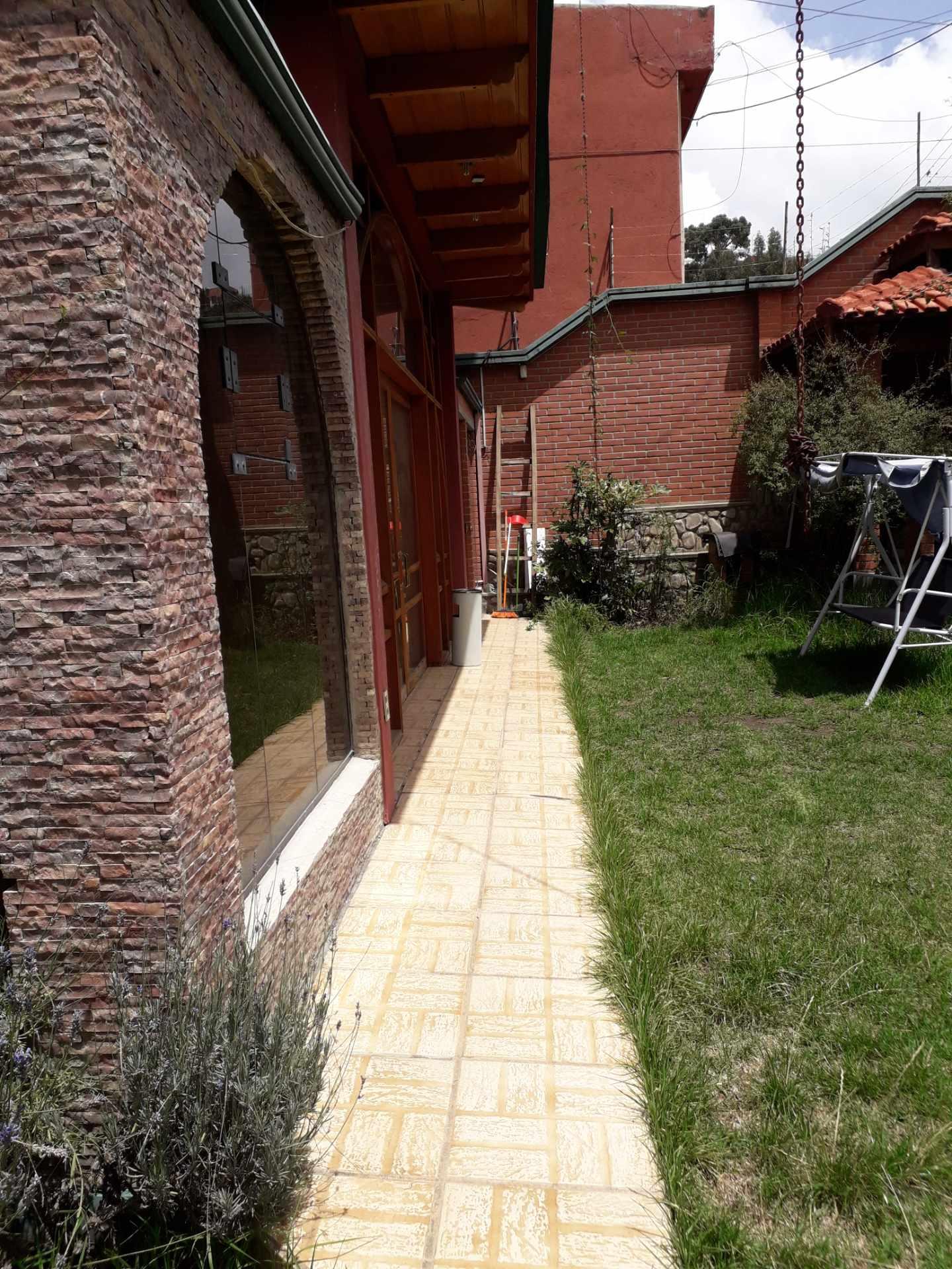 Casa en Alquiler Calle 17de achumani. Foto 5