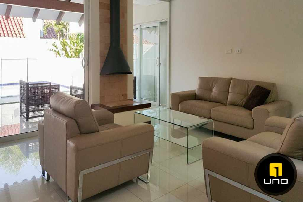 Casa en Alquiler LINDA Y AMPLIA CASA AMOBLADA EN CONDOMINIO PRIVADO ZONA OESTE 6TO ANILLO Foto 9