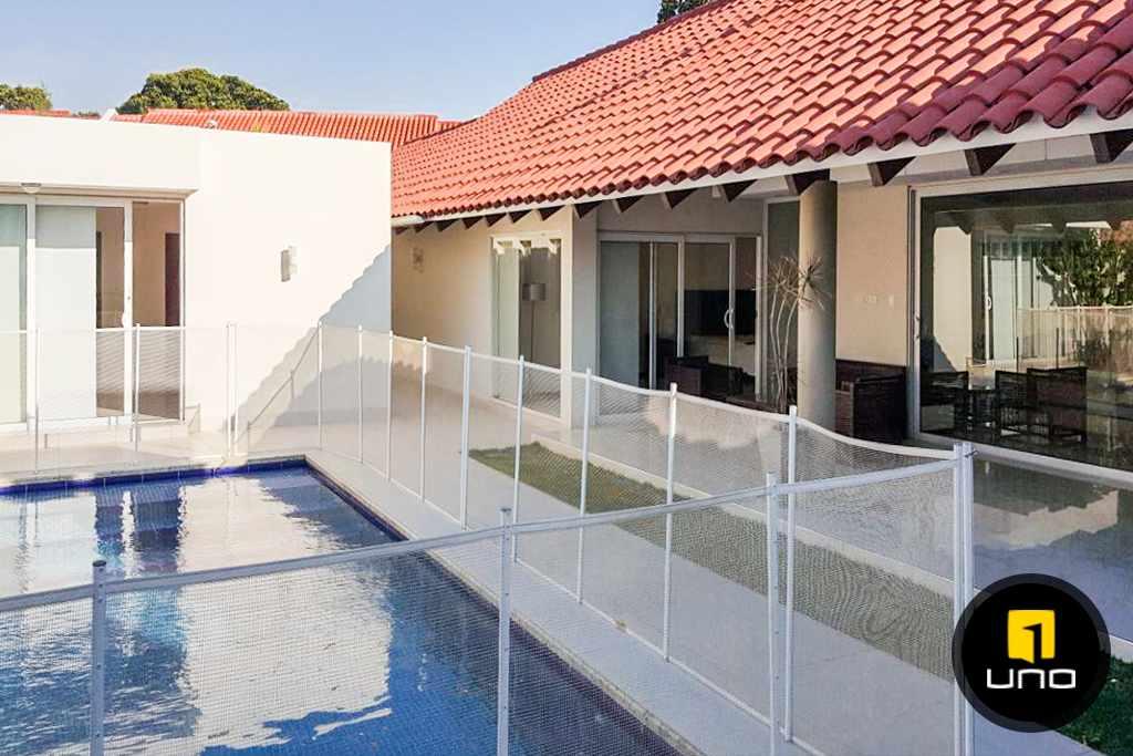 Casa en Alquiler LINDA Y AMPLIA CASA AMOBLADA EN CONDOMINIO PRIVADO ZONA OESTE 6TO ANILLO Foto 14