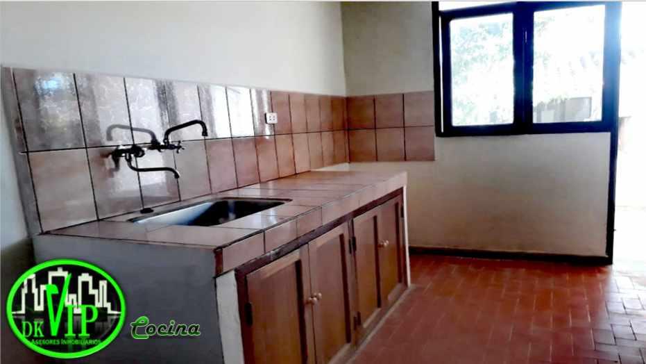 Casa en Alquiler Equipetrol 3er y 4to Anillo Foto 9