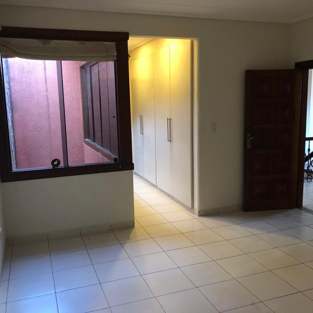Casa en Alquiler Av. Banzer 4to anillo Cond. Barrio Norte Foto 18