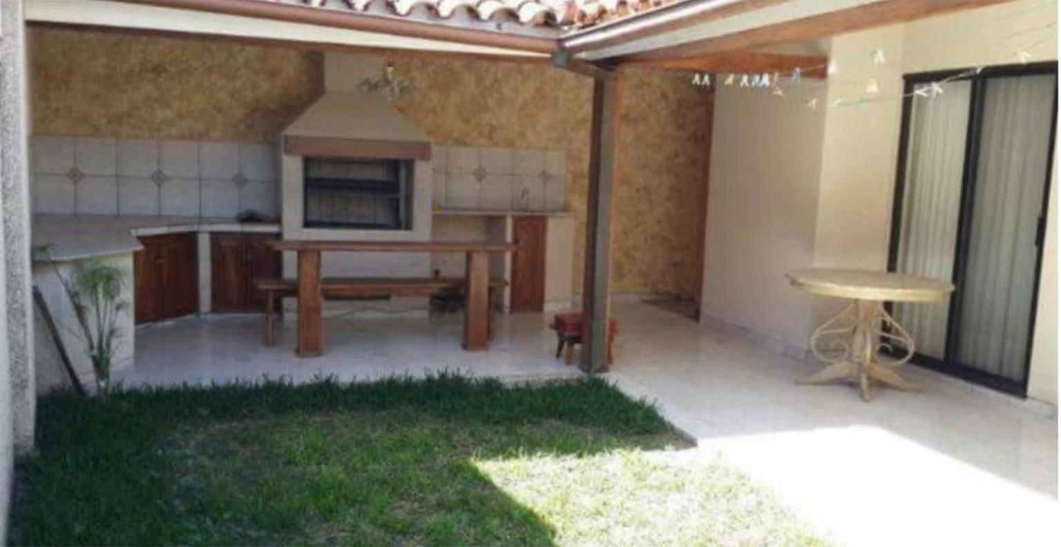 Casa en Alquiler COND LOS BOSQUES ENTRE 4TO  Y 5TO ANILLO RADIAL 26, CASA EN ALQUILER Foto 8