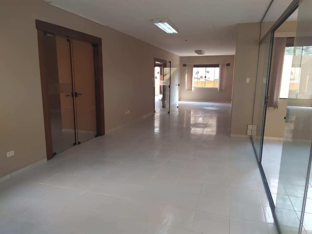 Casa en Venta Las Palmas av.San Miguel calle B 3er al 4to anillo Foto 4