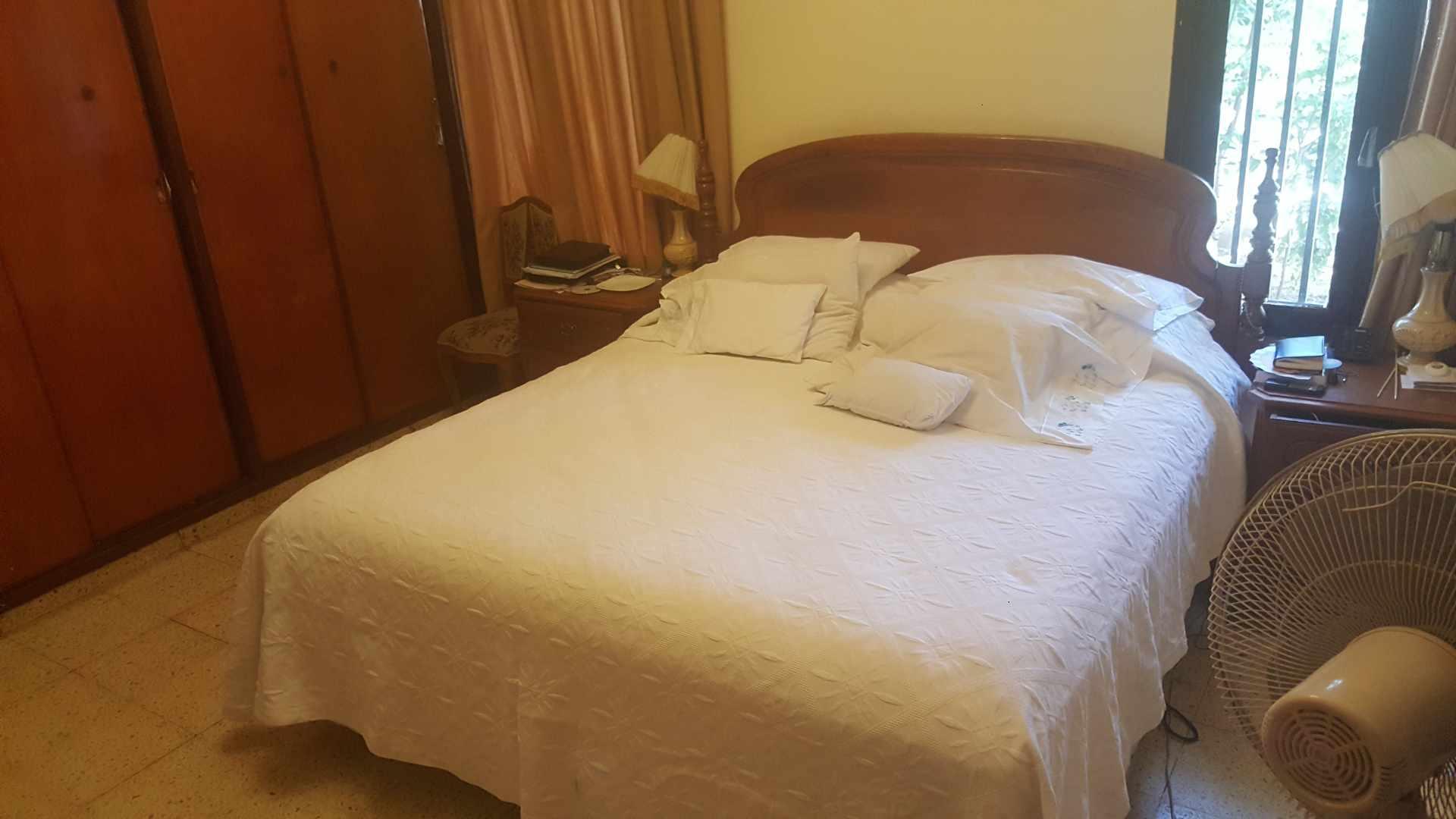 Casa en Venta BARRIO POLANCO, RADIAL 10/CALLE JUAN BLANCO. ENTRE 3er y 4to ANILLO Foto 3