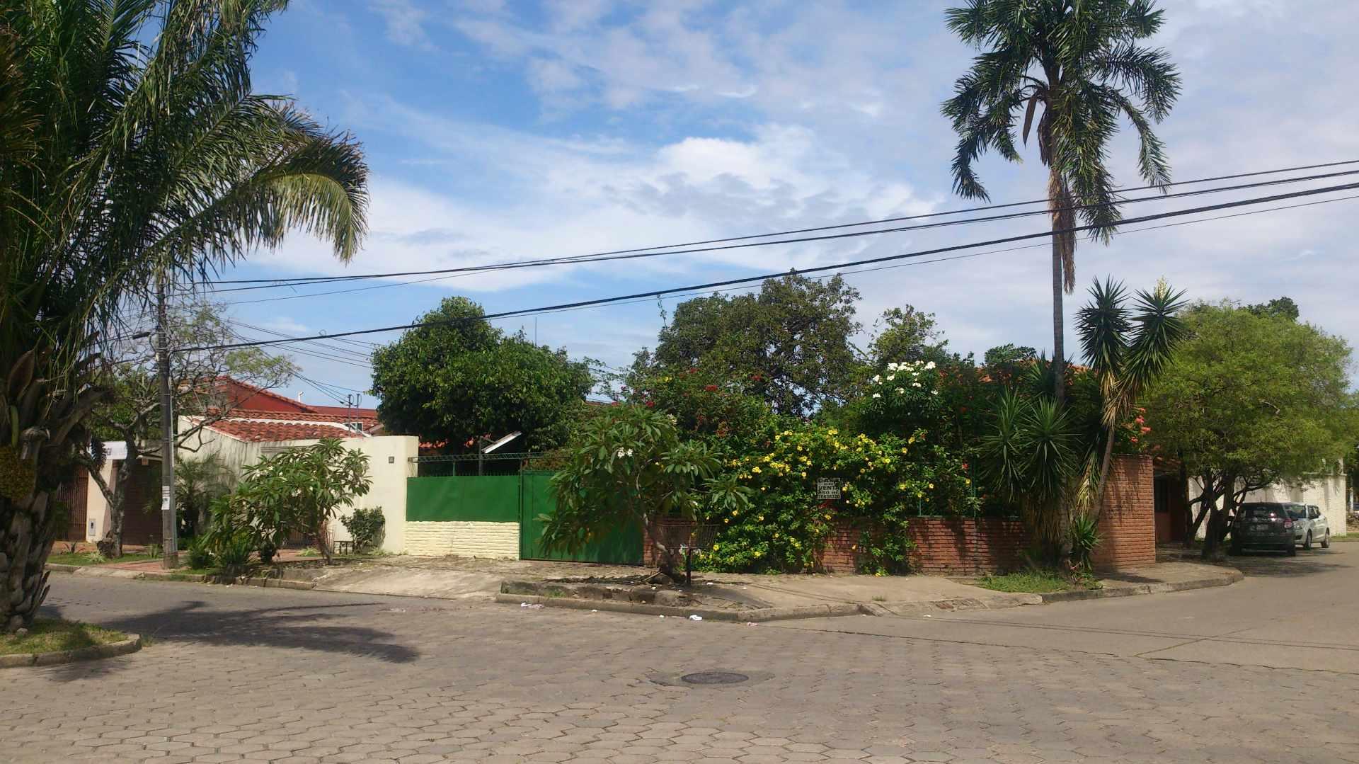 Casa en Venta AV. SANTOS DUMONT Y AV.PILCOMAYO Foto 2