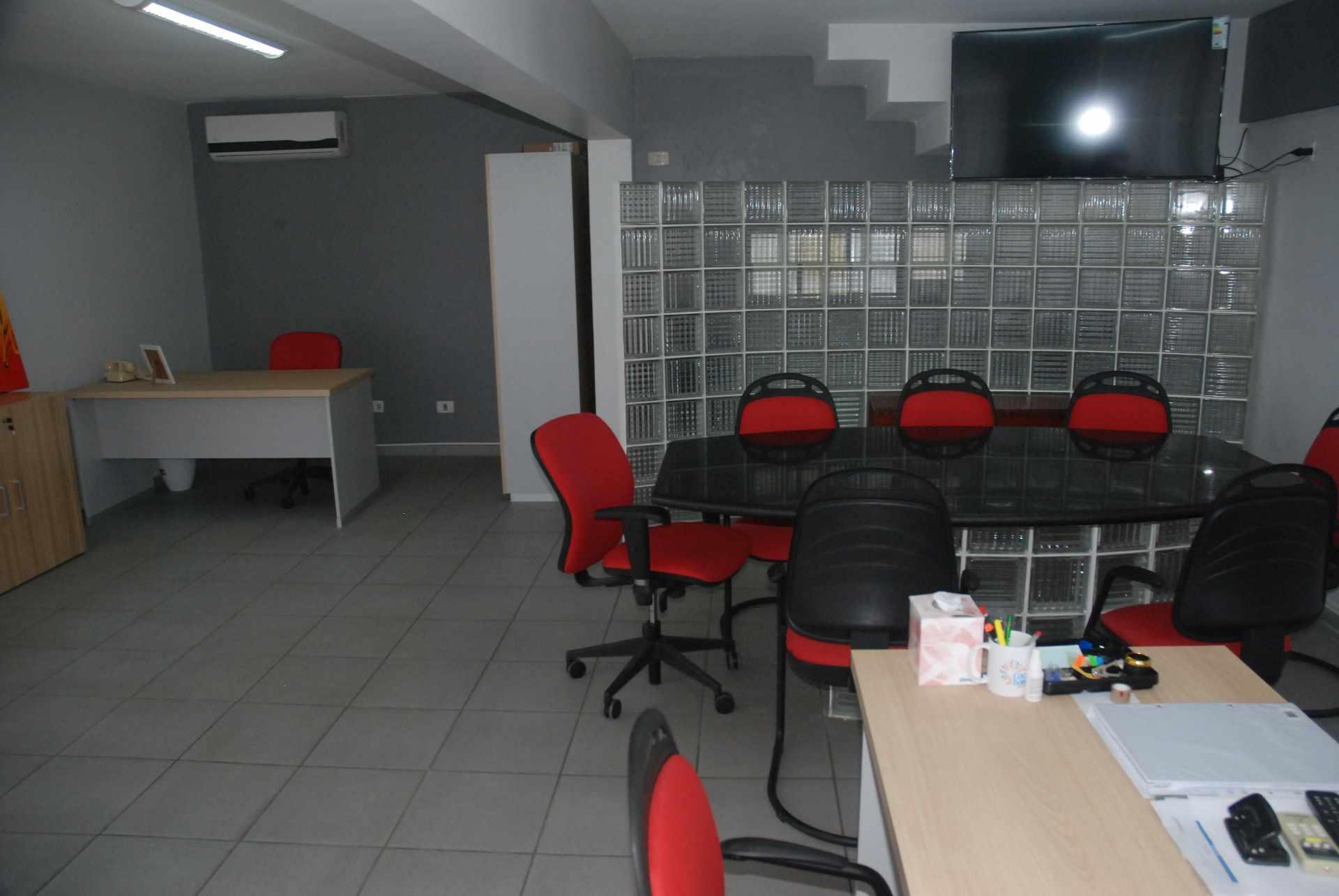 Oficina en Alquiler Cerca del colegio Cristo Rey y Avenida Irala, Calle La Riva Foto 7