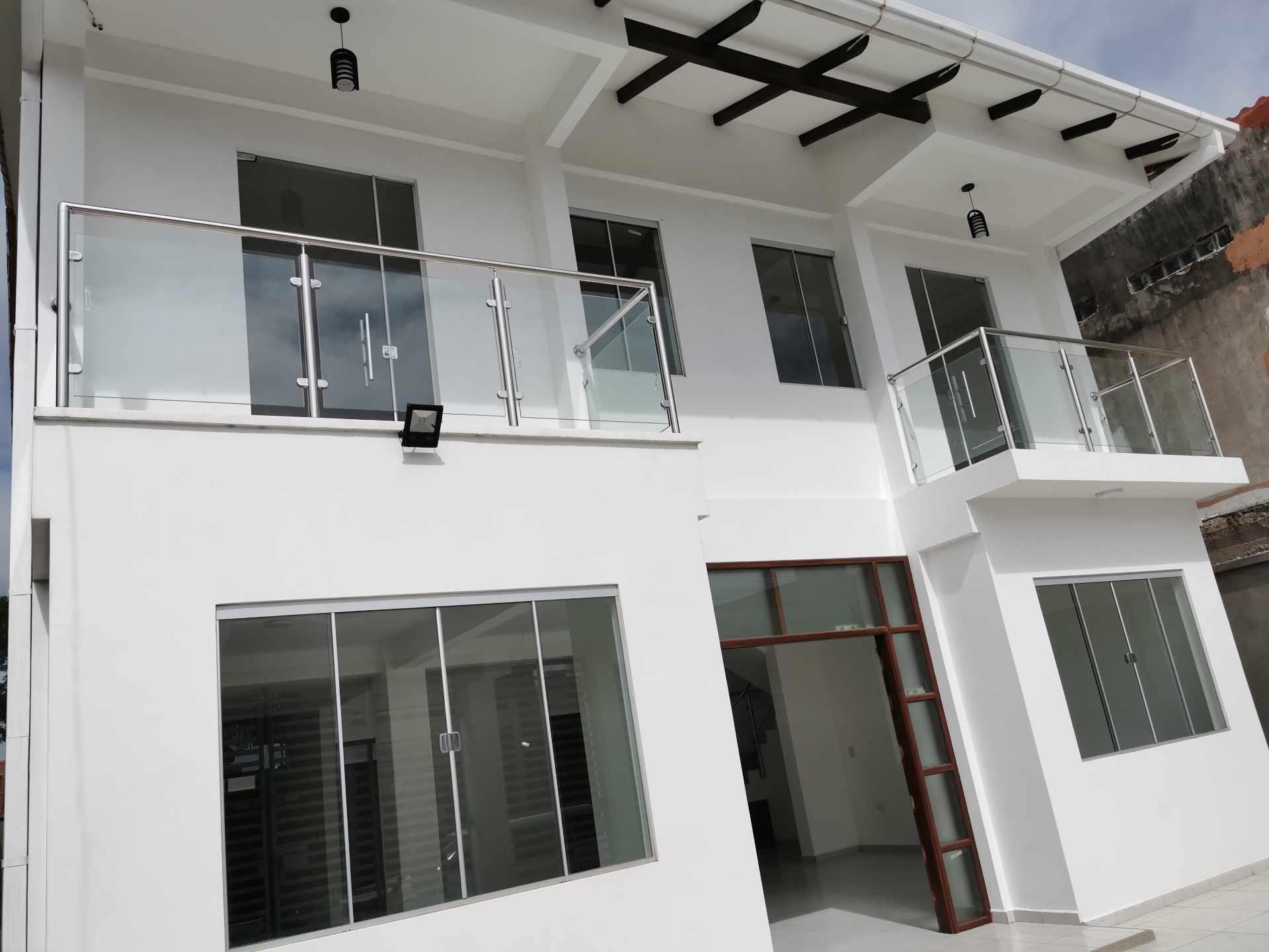 Casa en Venta VILLA 1ERO DE MAYO Foto 14