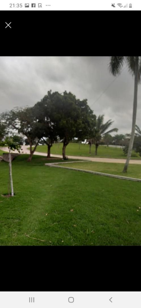 Terreno en Venta Condominio Resort Laguna Vista Urubo, a 20 min. de la Ciudad, entrando por Villa Bonita, Excelente Camino Pavimentado. Foto 3