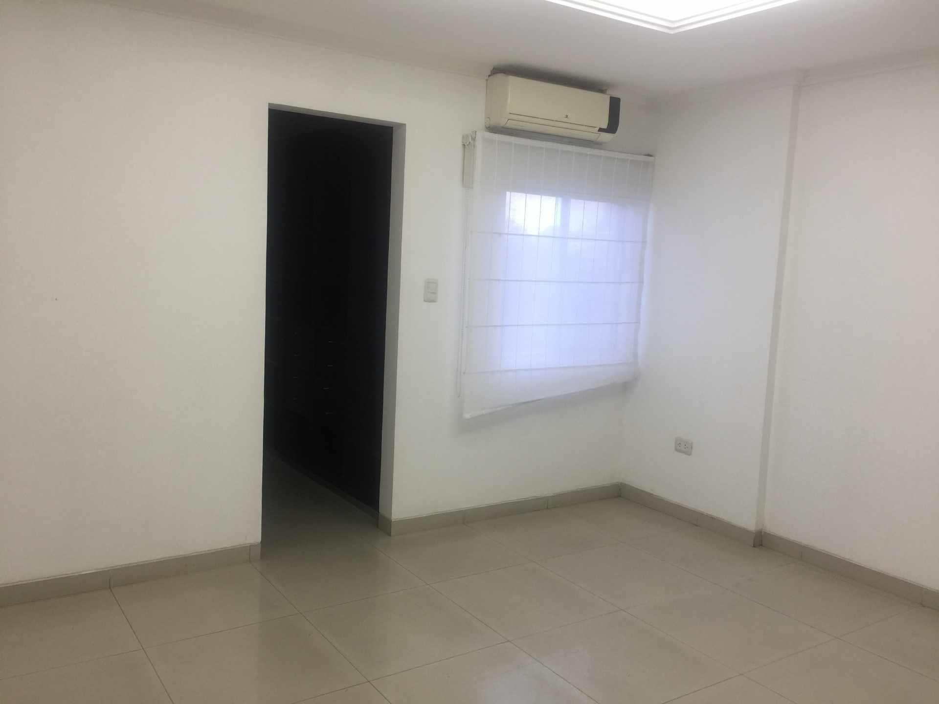 Departamento en Alquiler Calle Yaguarú, Condominio Las Palmas Residence Foto 7