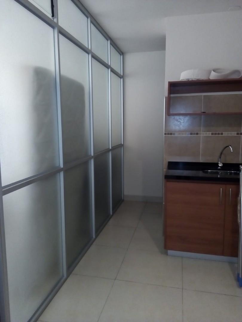 Oficina en Alquiler Bs.2000 OFICINA PROX. HEROINAS Y OQUENDO Foto 6