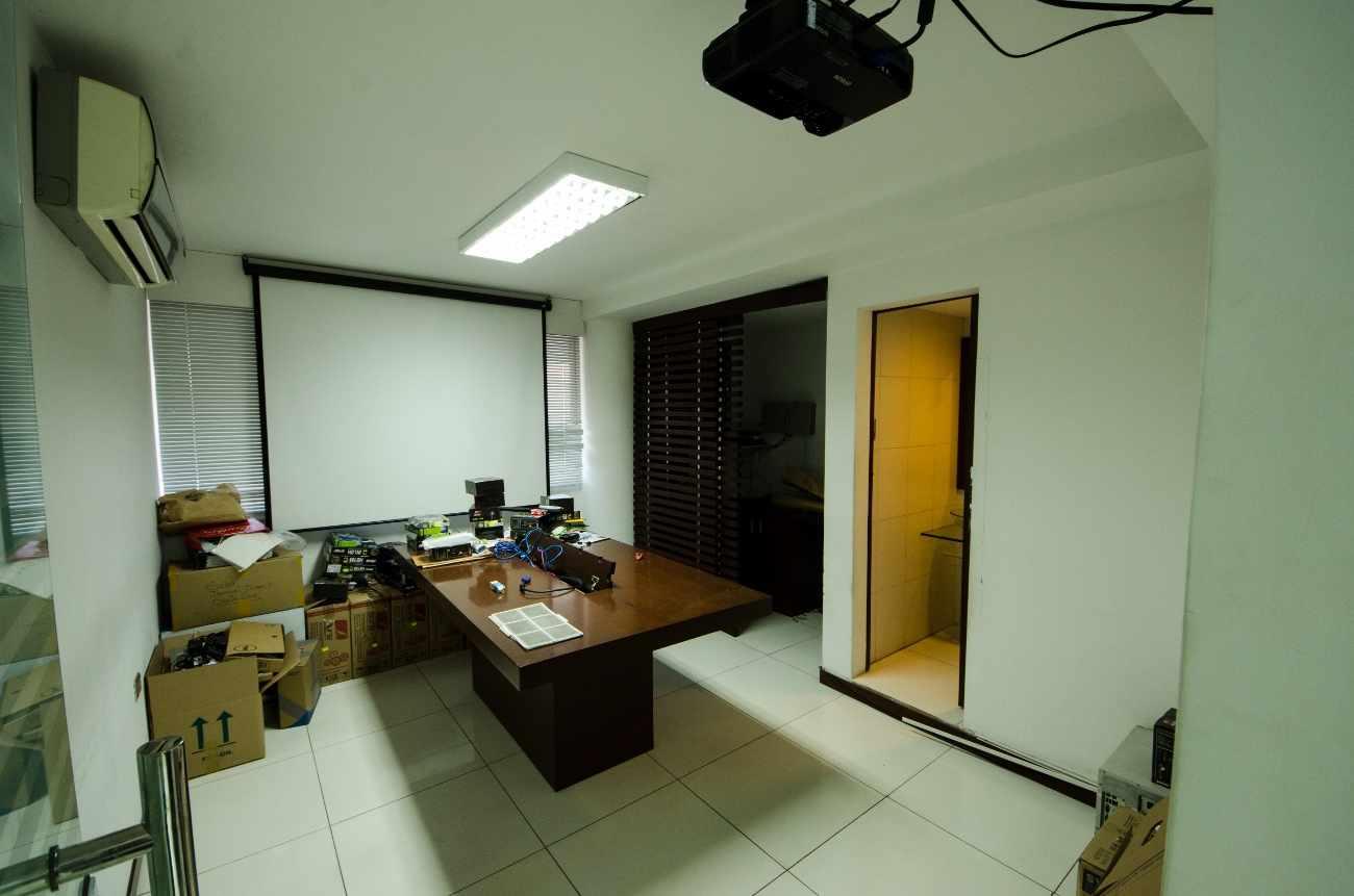 Oficina en Alquiler Edificio Santa Cruz, calle Ayacucho esquina Velasco Foto 5
