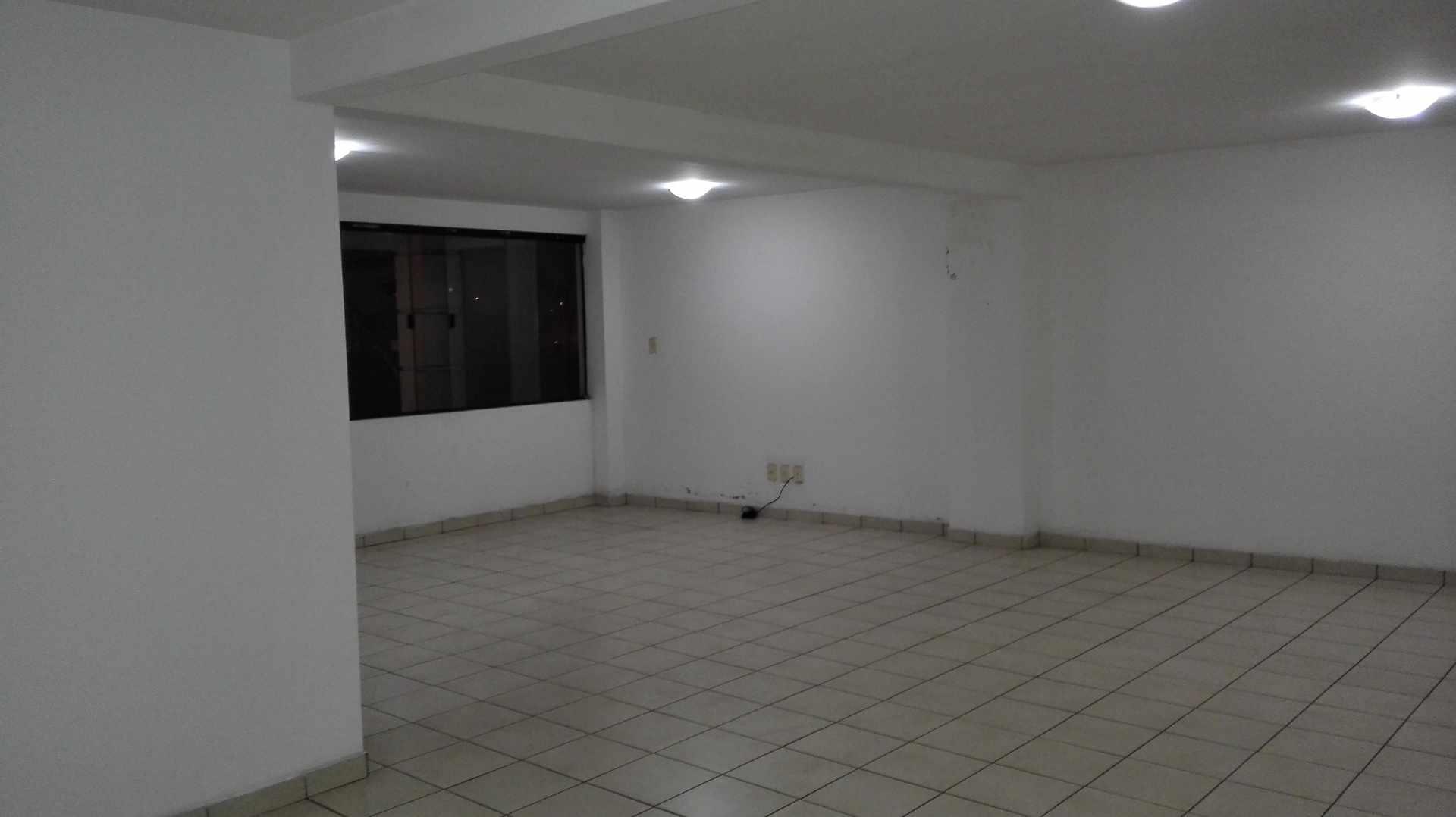 Oficina en Alquiler Calle Beni y Arenales Foto 2
