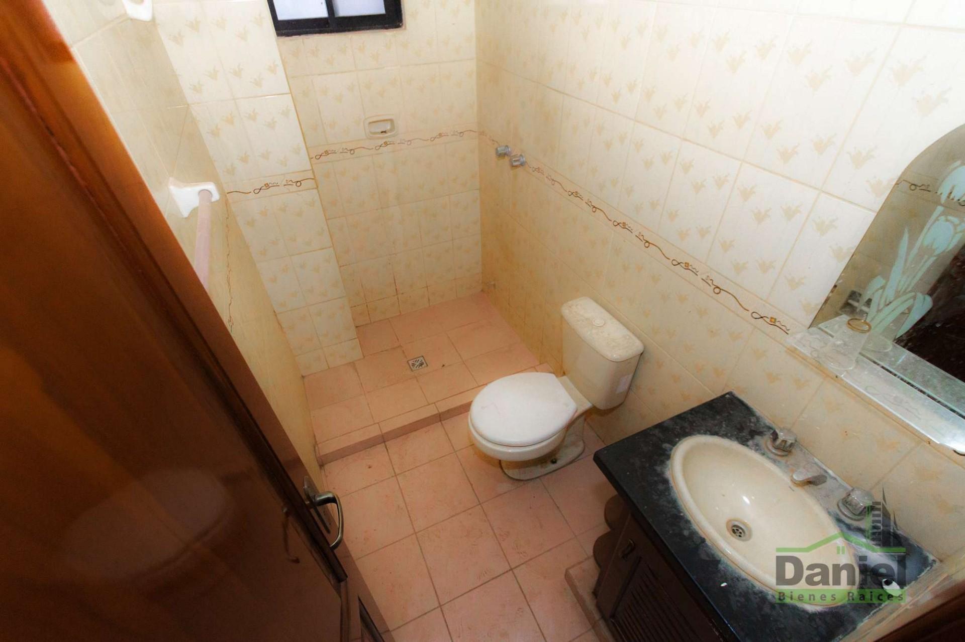 Casa en Venta CASA GRANDE ENTRE 4TO Y 5TO ANILLO RADIAL 27 Foto 9