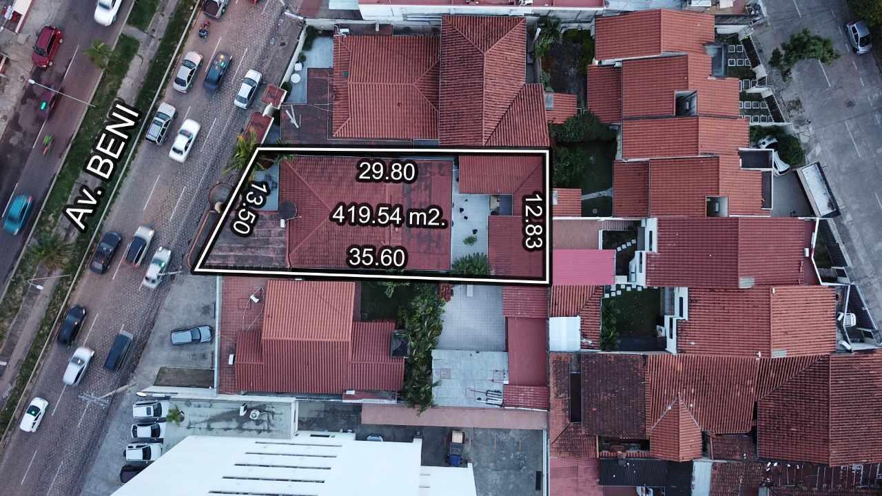 Casa en Venta Avenida Beni casi 2do Anillo  Foto 3