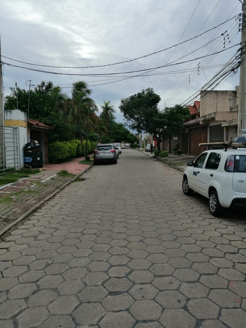 Departamento en Anticretico VIVIENDA U OFICINA EN BARRIO HAMACAS  Foto 9