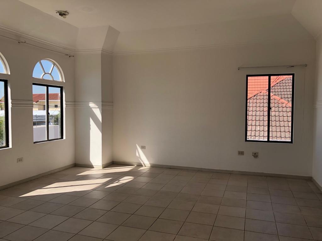 Casa en Alquiler Av Piraí y 4to anillo  Foto 15