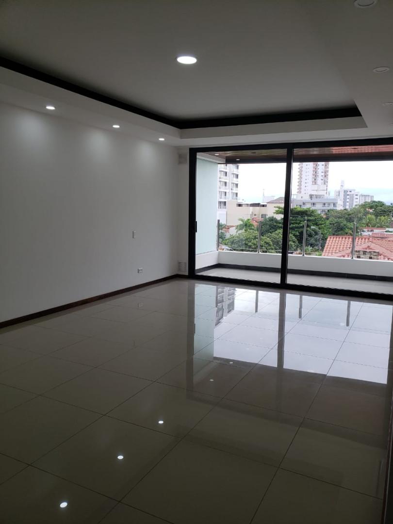 Departamento en Venta Barrio Sirari, Calle Los Pinos, Condominio SKY DESIGN Foto 4