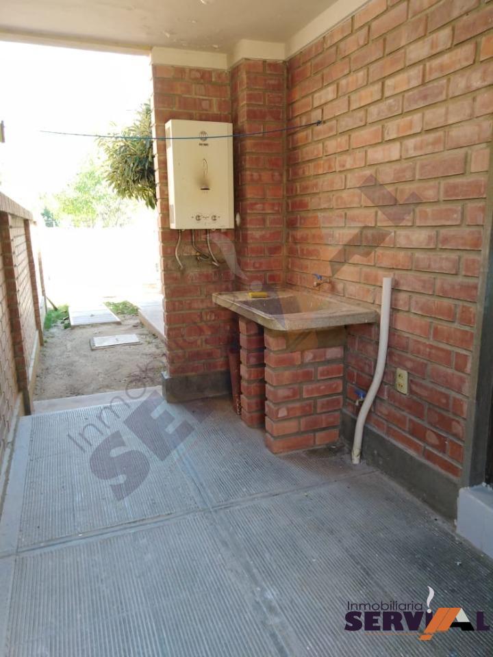 Casa en Alquiler CASA DE 2 PLANTAS INDEPENDIENTE, EN URBANIZACION, INMEDIACIONES KM 4 1/2 CIRCUNVALACIÓN Foto 6