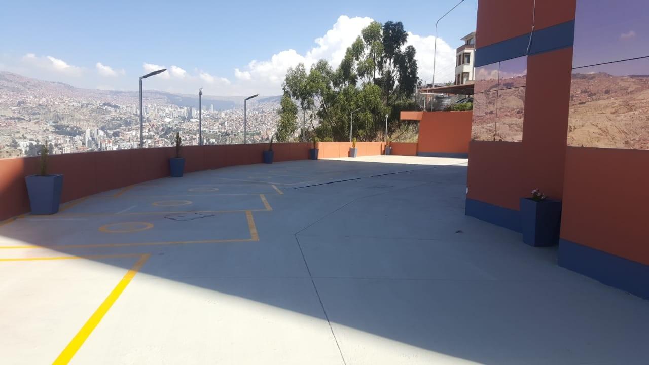 Departamento en Alquiler Edif. Taborga II. Urb. San Alberto.    Foto 4
