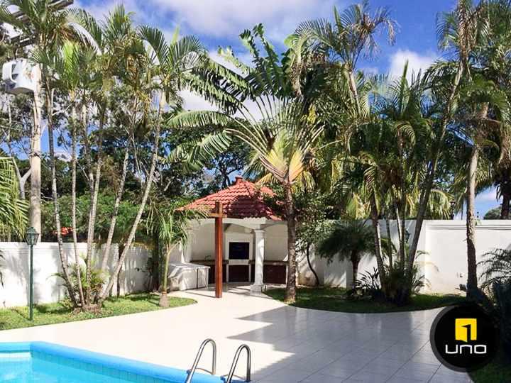 Casa en Alquiler LINDA Y AMPLIA CASA DE 2 PLANTAS CON PISCINA EN EL BARRIO LAS PALMAS Foto 3